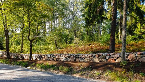 mur-adelsö-restaurering-je-mark