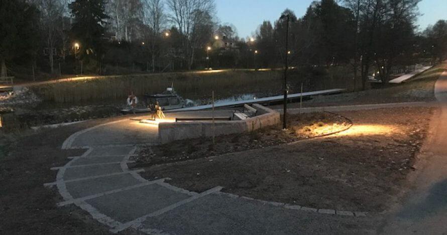 stadspark sittplats vid kanalen